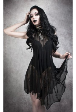 medeina_bat_wing_dress_katrin_lanfire