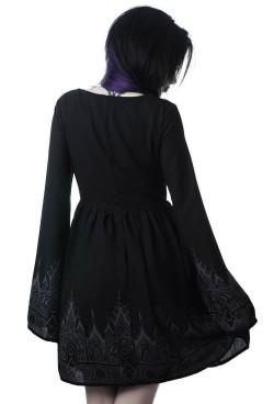 dutchess-dress-c_1024x1024__nxpowerlite_backup_